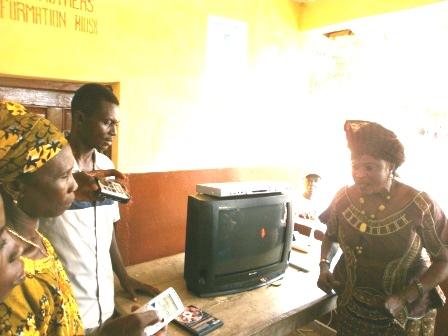 Deputy Mayor declares open the kiosk in Condama